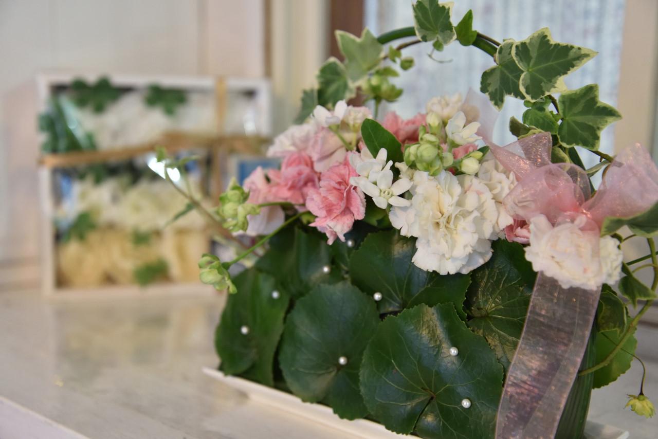 東小金井教会 入口に飾った花です